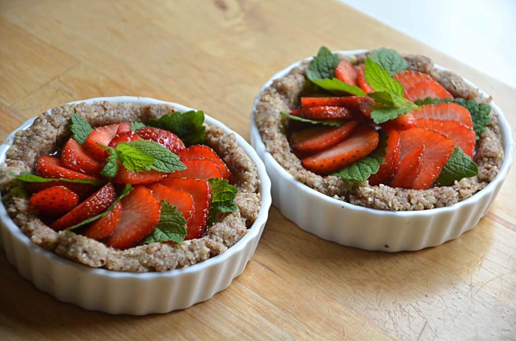 Säsongsmat - rawfoodpaj med jordgubbar