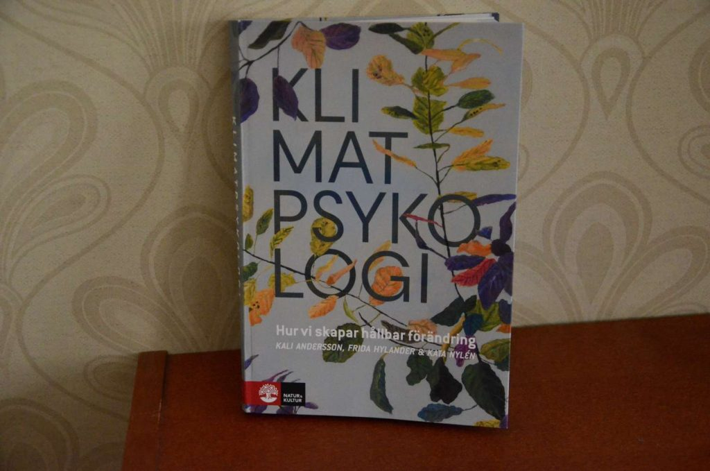 Recension av boken Klimatpsykologi, Författare: Kali Andersson, Frida Hylander och Kata Kylén.