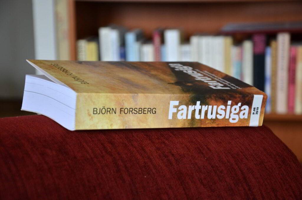 Fartrusiga - ett perspektivgivande boktips. Bild på boken Fartrusiga.